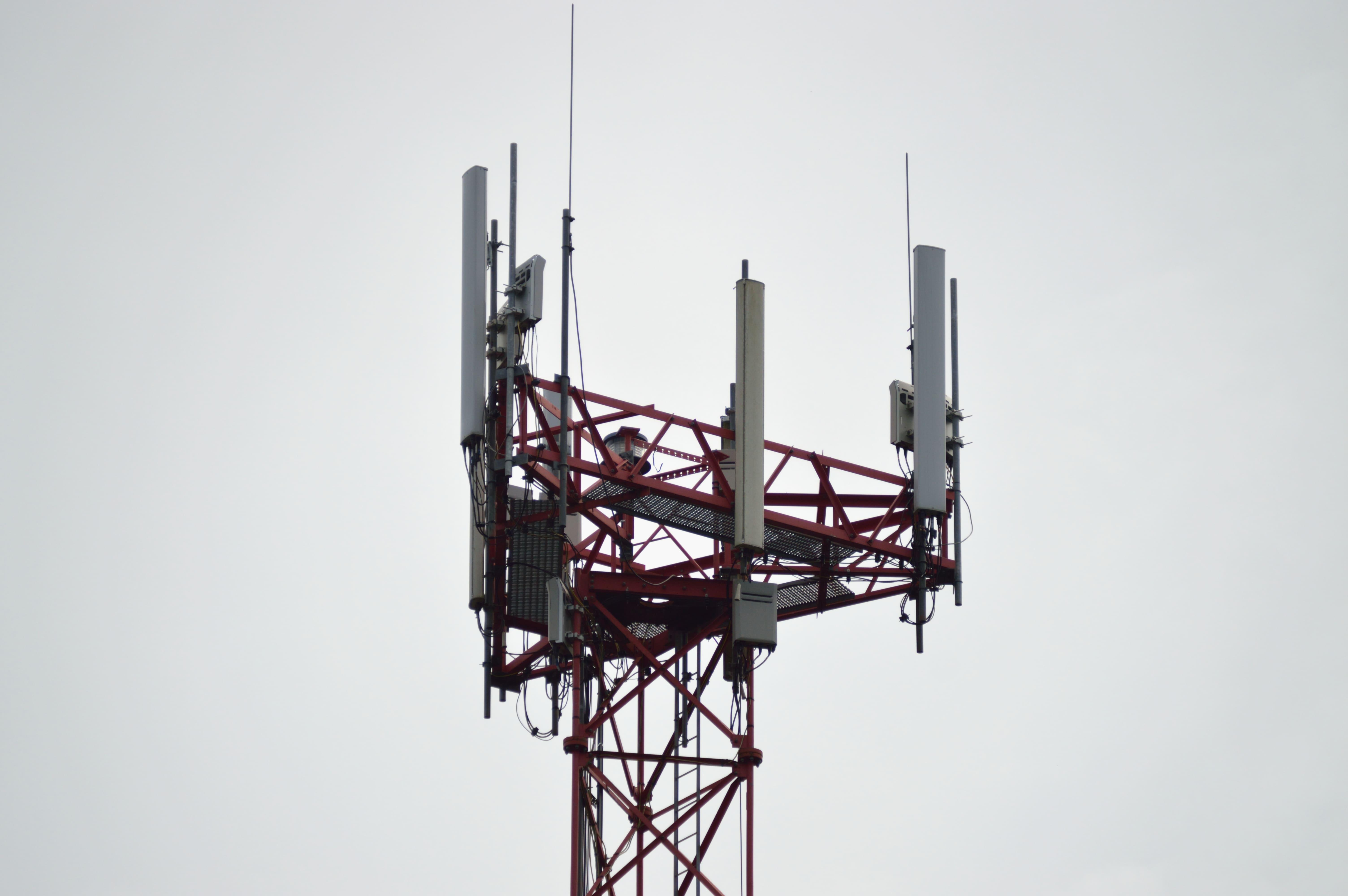 Augmenten els estudis sobre els efectes de la radiofreqüència mòbil a la salut.
